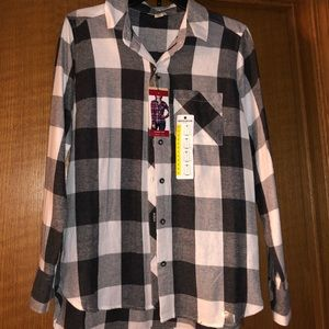 Juniors new black and white flannel.
